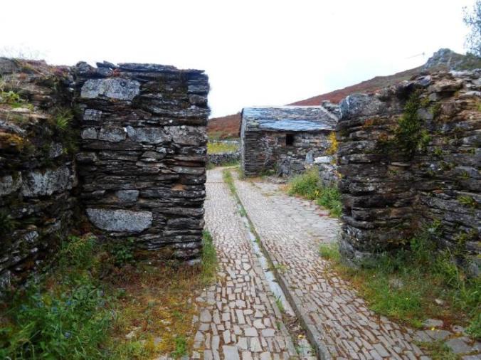 Montefurado medieval hospital, Fonsagrada (Lugo)