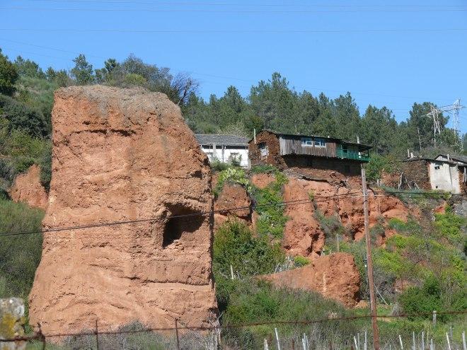 Montefurado mina y arquitectura tradicional