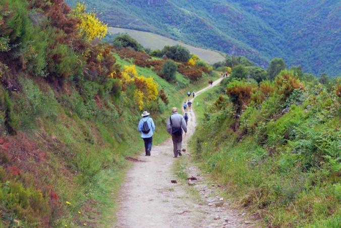 lez_hiking-camino-de-santiago-2-1