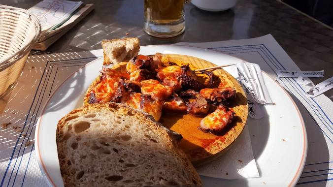 Pulpo lunch in Melide.