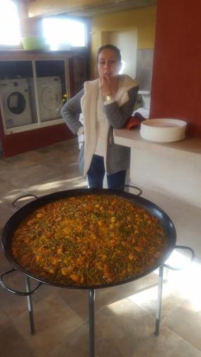 Laura & Omar make a delicious Paella & Salad EVERY day!!