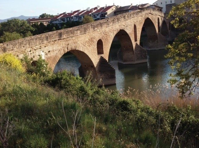 Ponte La Reina (The Queen's Bridge)